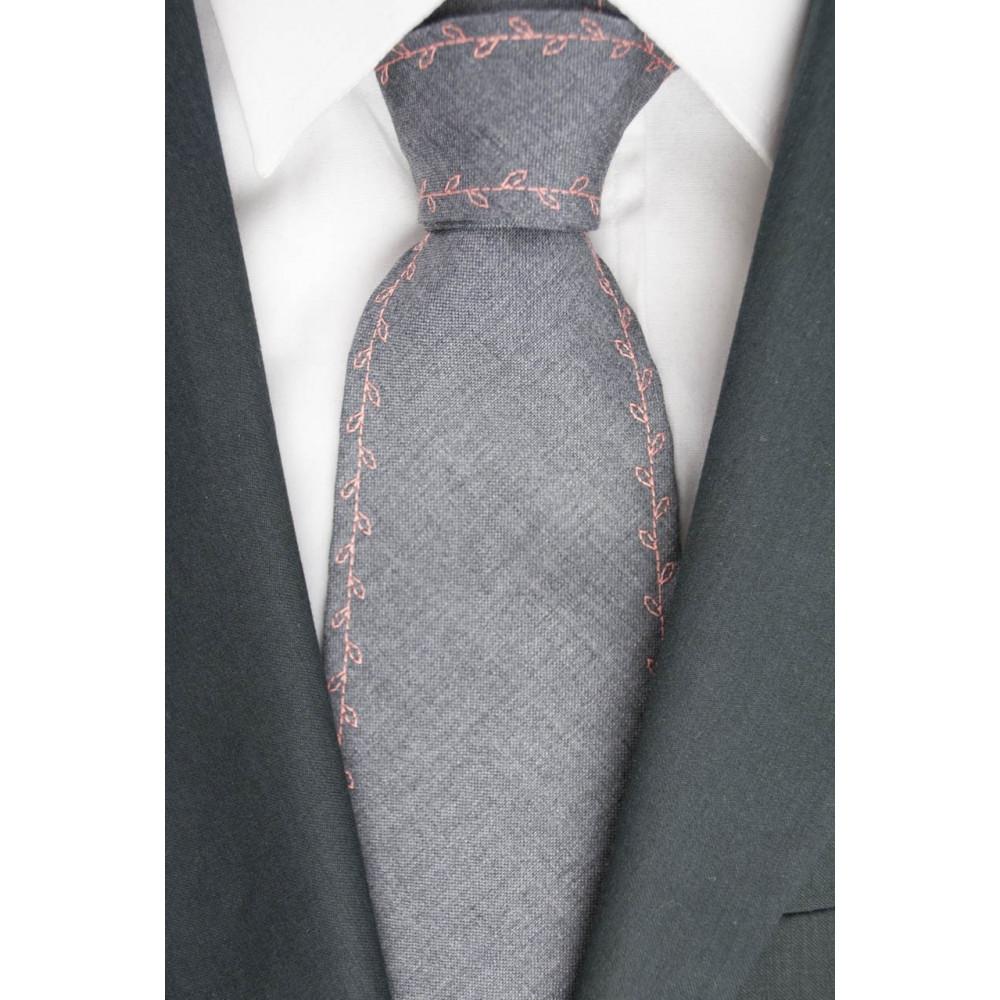 Cravatta Balenciaga Grigio Chiaro Ricamo Rosa - 100% Pura Lana - Made in Italy