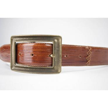 Cintura Marrone medio in cuoio lavorato lunga 100 cm fibbia dorata opaca - taglie forti