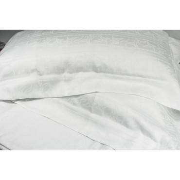 Copripiumino Una Piazza e Mezza 220x270 Bianco Raso di Cotone Jaquard Strisce Petali +2 Federe 3 volant 7036